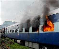शताब्दी ट्रेन में लगी आग, कोई हताहत नहीं