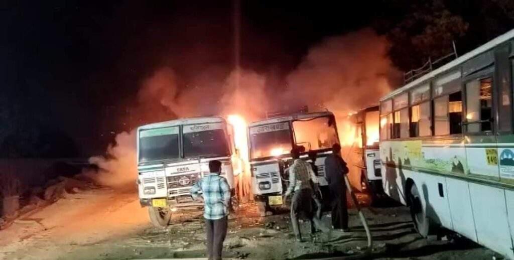 उत्तराखंड परिवहन निगम के रामनगर डिपो में लगी बसों में आग