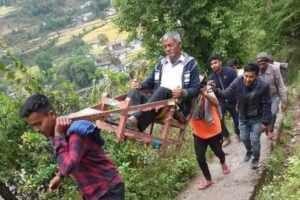 उत्तराखंड के सीमान्त गांवों में अभी भी लोगों को मोटर की सुविधा नहीं