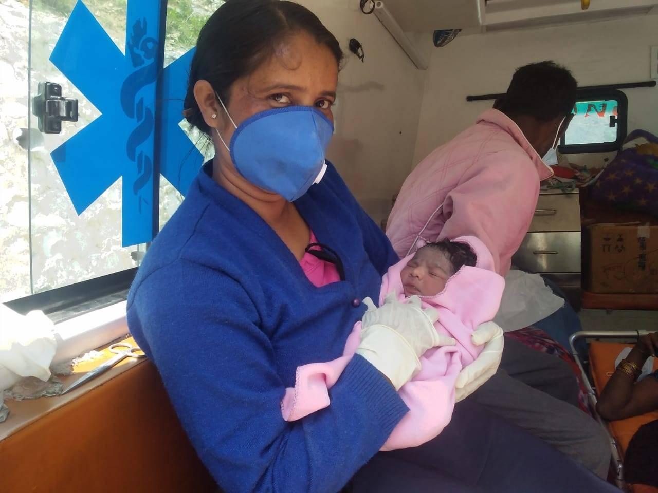 108 वाहन में नवजात का जन्म, प्रसव के बाद जच्चा बच्चा सुरक्षित
