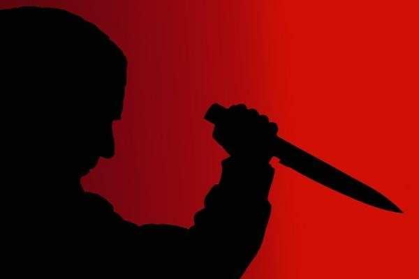 घर में घुसकर युवकों ने की युवती की हत्या
