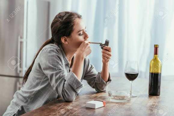 धूम्रपान व मद्यपान जैसी बुरी आदतों से 2483 करोड़ की हुई कमाई