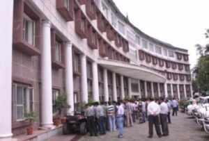 उत्तराखंड सचिवालय में बाहरी व्यक्तियों के आवागमन पर रोक