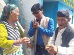 सल्ट उपचुनाव में विरेन्द्र सिंह रावत ने किया 65 गांव का दौरा
