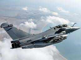 राफेल लड़ाकू विमानों की नई खेप आज पहुंचेगी भारत