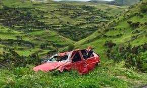 बदरीनाथ हाईवे पर कार खाई में गिरी, 5 की मौत