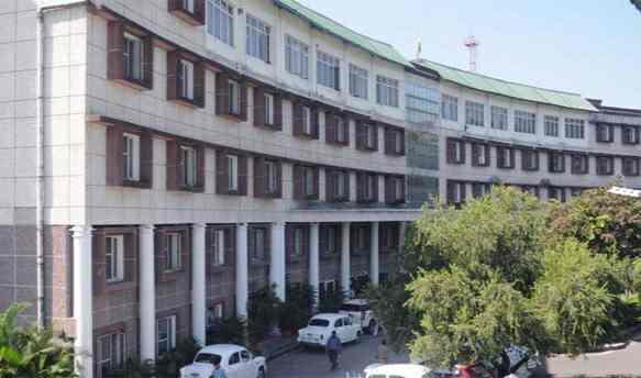 उत्तराखंड सचिवालय में कई कर्मचारी कोरोना से संक्रमित